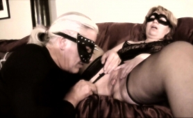 mature-wife-in-stockings-gets-her-snatch-licked-and-fucked