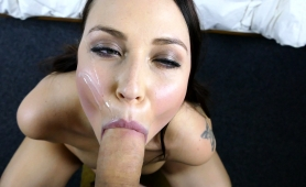 ravishing-brunette-with-perfect-tits-and-ass-gives-a-blowjob