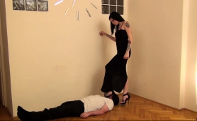 blindfolded-man-gets-dominated-by-a-sexy-babe-in-high-heels