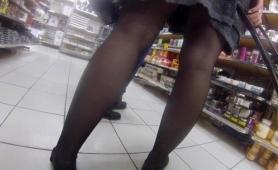 voyeur-finds-elegant-ladies-with-sexy-legs-in-a-public-place