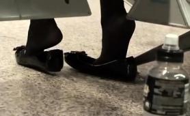 fetishist-voyeur-captures-a-beautiful-girl-with-lovely-feet