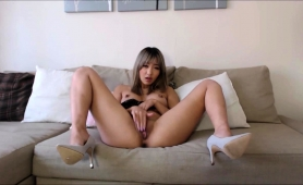 hot-asian-camgirl-with-big-boobs-toys-and-fingers-her-slit