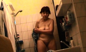 Naughty Amateur Granny Exposes Her Sexy Curves On Hidden Cam