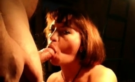 mature-brunette-wife-drives-a-cock-to-pleasure-with-her-lips