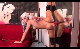 Striking Blonde Camgirl Works Her Fiery Peach On A Sex Toy