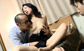 Slender Oriental Wife Has Her Lover Fingering Her Hairy Cunt