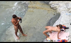beach-voyeur-captures-a-horny-amateur-couple-having-wild-sex